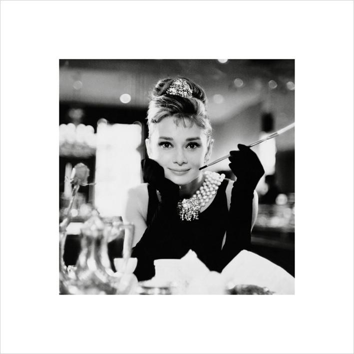 Audrey Hepburn - b&w Taide