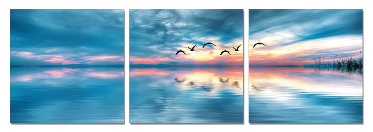 Sunrise over sea Taulusarja