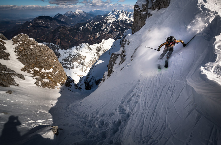 Drop into couloir Wallpaper Mural